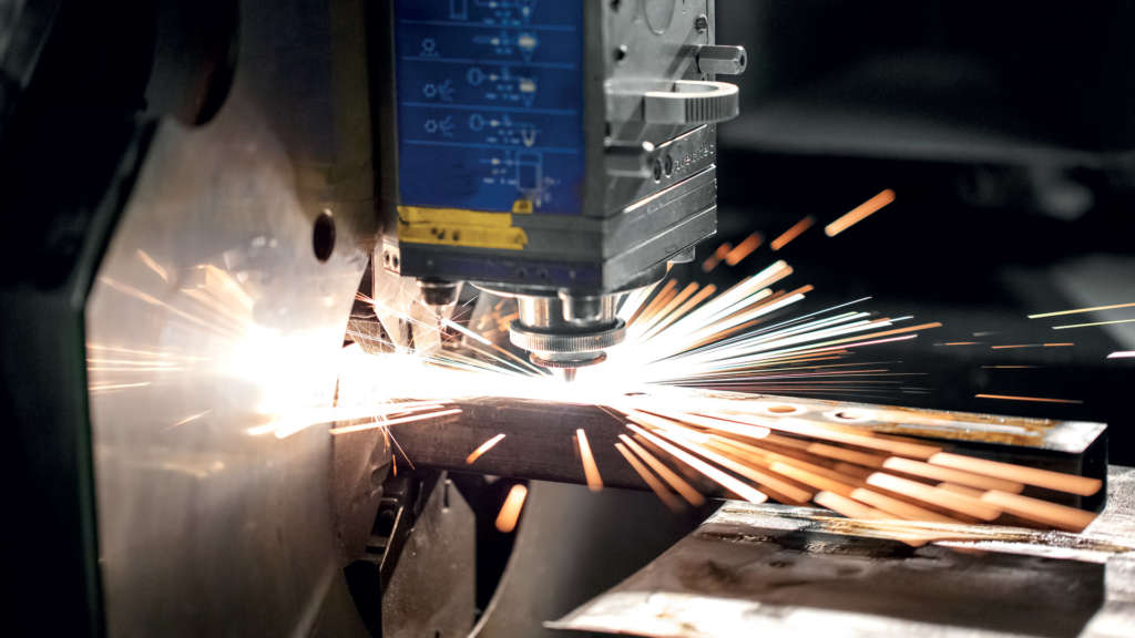 Taglio laser tubi quadrati CMM