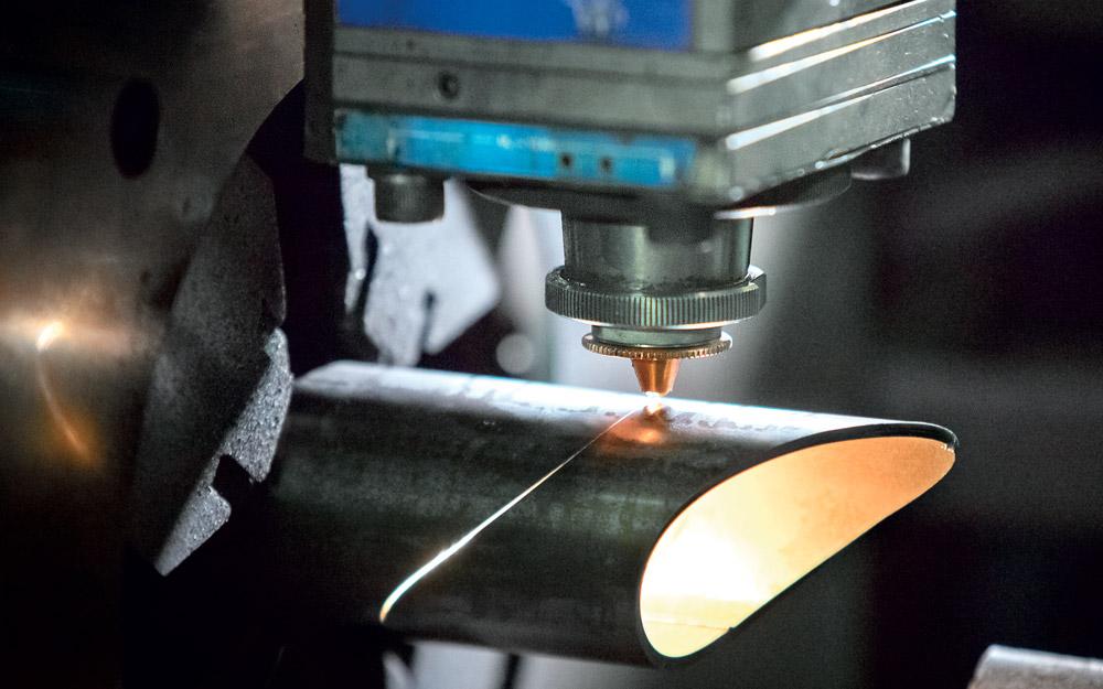Taglio laser tubi acciaio CMM